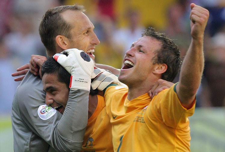 <b>Socceroos goalkeeper Mark Schwarzer has called time on his international career.</b><br/><br/>The shock move, which came just hours before the naming of Ange Postecoglou's first Socceroos squad, brings an end to a decorated international career which saw the shot-stopper earn a record 109 caps.<br/><br/>The 41-year-old will now miss the chance to represent Australia in a third-straight World Cup next year in Brazil despite continuing to play in England with Chelsea.<br/>
