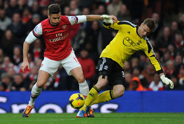 <b>Goalkeepers are always easy targets for their fails invariably result in goals, but the mistake made by Southampton's Artur Boruc on the weekend will take some serious beating.</b><br/><br/>The Saints were playing Arsenal when Boruc inexplicably tried to outsmart striker Olivier Giroud with two fake kicks.<br/><br/>When it comes to footwork it's not hard to deduct who won this battle, miring Boruc on an unenviable list of keepers whose decisions have backfired.<br/><br/>The following videos should serve as a warning to shot-stoppers everywhere.<br/>