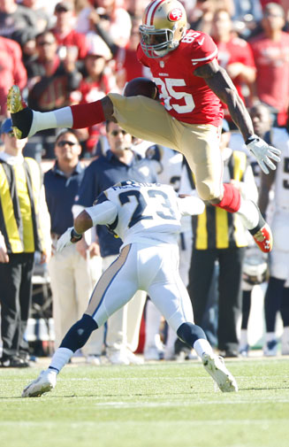 <b>It was a mixed night for 49ers star Vernon Davis as San Francisco overpowered the St Louis Rams to win their NFL clash, 23-13. </b><br/><br/>In the third quarter, Davis was left writhing on the ground in pain after an opponent dragged him down by the groin. <br/><br/>It was agony to ecstasy for Davis when he scored his 50th touchdown for the 49ers in the final quarter after hurdling an opponent. The second time he pulled off the acrobatic, and dangerous, play in the win. <br/><br/>Click through to see both of the incidents.   <br/>