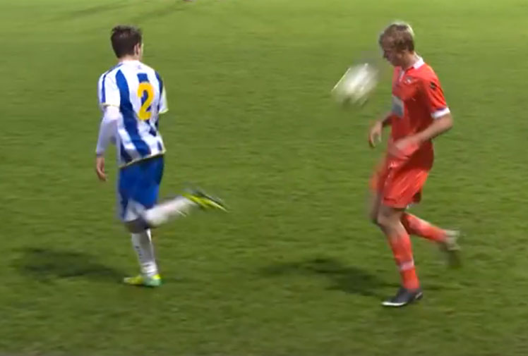 <b>Sometimes when players lash out on the field, things can turn a little nasty. </b><br/><br/>But when Glen Rea - an Under-21 player with English Championship team Brighton & Hove Albion - decided to backheel the ball to an opponent, the result could not have been funnier.<br/><br/>Millwall U21's Kris Twardek was the unlucky recipient of a ball to the face, drawing gasps from the crowd - and surely a few sniggers too.<br/><br/>Click through to watch the hilarious incident, plus other (slightly more serious) videos of sportsmen clashing with their opponents. <br/>