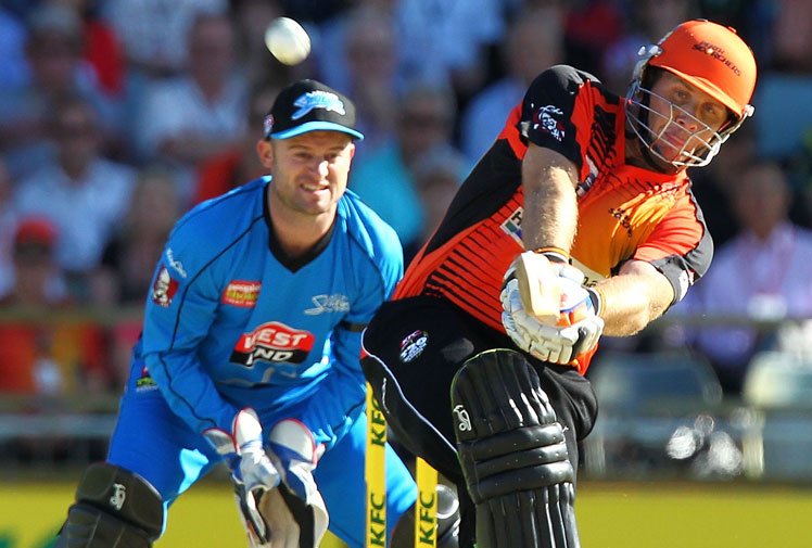 <b>Little-known batsman Australian Craig Simmons has smashed his way into cricket folklore with the fastest Big Bash century ever recorded.</b><br/><br/>Simmons cracked eight fours and eight sixes on the way to a 39-ball ton for Perth Scorchers, with the coming nine months after Chris Gayle scored the game's quickest professional century off 30 balls in the IPL.<br/><br/>Former Australia allrounder Andrew Symonds scored a century from 34 balls for Kent in 2004, but it isn't widely known because it wasn't at international level.<br/><br/>Can you remember these master blasters? (Getty Images)<br/>