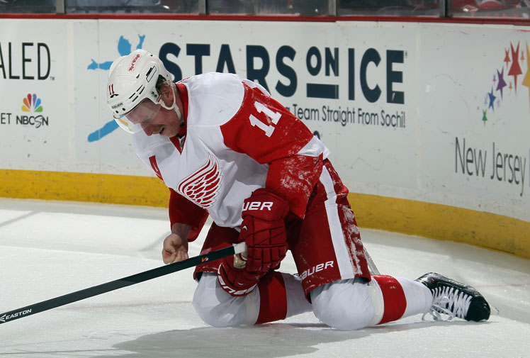 <b>A Detroit player has provided more evidence of the toughness of NHL players just days after one of his rivals was left with a nasty facial cut courtesy of a skate. </b><br/><br/>Daniel Alfredsson made headlines around the world for his reaction to losing teeth in a clash against New Jersey. Instead of leaving the rink in pain, the Red Wings star calmly picked the teeth up off the ice before playing on. <br/><br/>Of course, dentists are sometimes needed in all codes, not just ice hockey. Click through to see the worst teeth-shattering moments.<br/><br/><br/>
