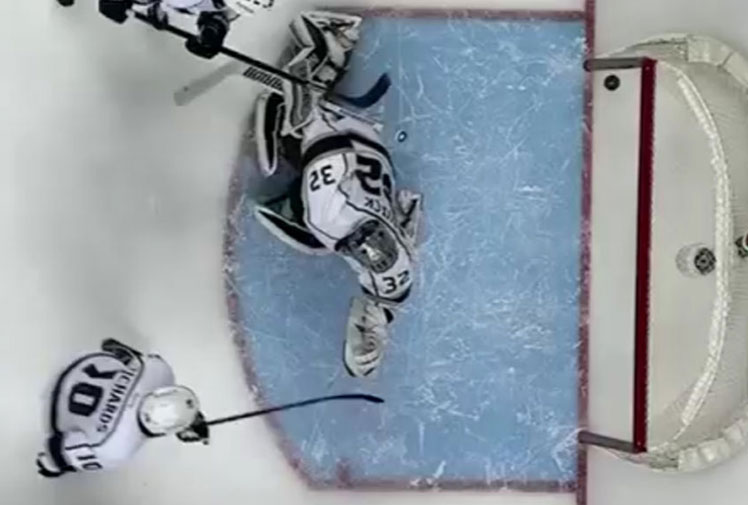 <b>An ice hockey player has got as close as it's possible to get to scoring without actually registering a goal in a recent NHL clash. </b><br/><br/>Philadelphia's Vincent Lecavalier managed to hit both posts and the crossbar with one incredibly unlucky shot. <br/><br/>The Flyers were left to rue the freak occurence as they went down 1-0 to the Los Angeles Kings. <br/><br/>It's not the first time the posts have played a big part in a sporting result, as these videos prove.<br/>