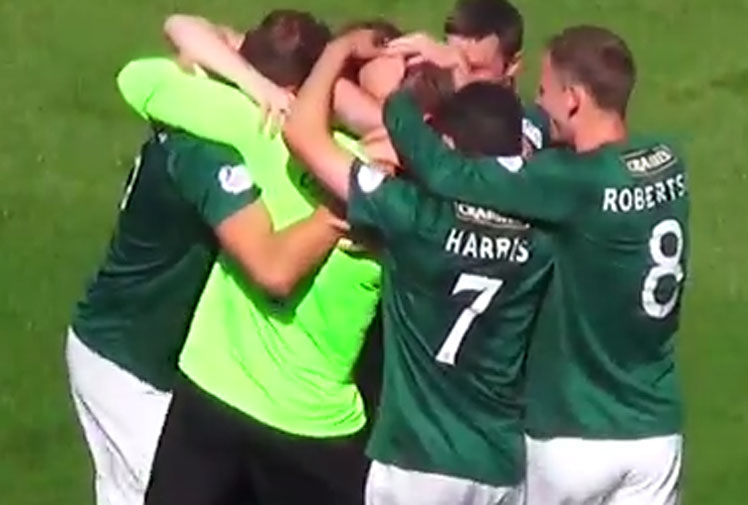 <b>In what may be one of the best debuts ever made by a goalkeeper, Mark Oxley scored a massive long-range goal with new club Hibernians.</b><br/><br/>The gloveman found the back of the net when his goal kick bounced over the head of Livingston's Darren Jamieson in the Scottish Championship.<br/><br/>While Oxley admitted afterwards that he was actually trying to pinpoint a teammate, his effort is still worth celebrating, along with football's other great goalkeeper goals.