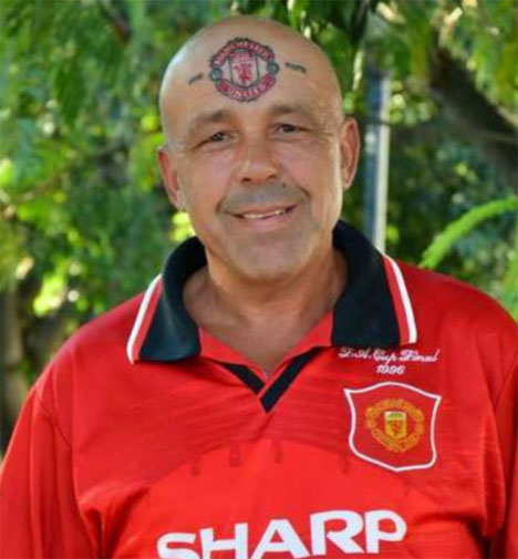 """<b>A fanatical Bulgarian Manchester United fan has tattooed the club's badge to his head and changed his name to … Manchester United.</b><br/><br/>Mr United, formerly known as Zdravkov Levidzhov, fought for 10 years to change his name and claims his body art is often admired by fellow fans.<br/><br/>""""It makes me stand out and proves my loyalty to United. I did think of having it on my arm, but that wouldn't have the same impact,"""" Mr United told <i>The Sun</i> <br/><br/>Mr United is not the only fanatical fan to visit the tattooist with their club's crest and colours …<br/>"""
