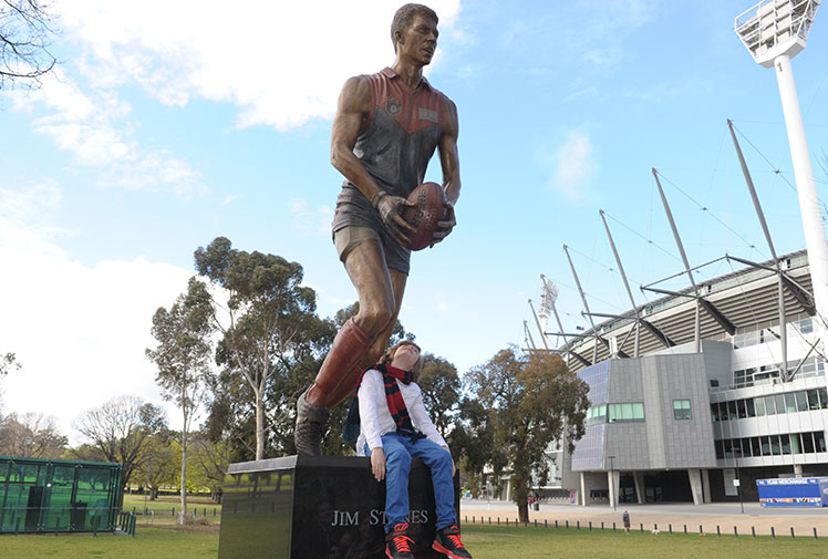 """<b>When Jim Stynes' widow Samantha saw the bronze statue of her husband unveiled at the MCG, she instantly pictured the late AFL great running onto the field.</b><br/><br/>Mrs Stynes was overwhelmed by how beautifully her husband had been portrayed.<br/><br/>""""I can visualise Jim playing when I see that,"""" she said. <br/><br/>""""It takes me back to 15 years ago seeing him on the field - the level of detail with the glove and the thigh pad and we've still got those boots."""""""