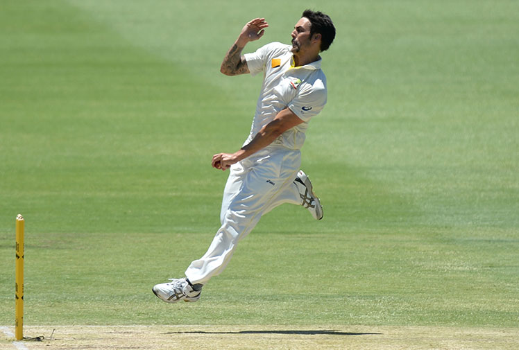 <b>The International Cricket Council has named its Test and One Day teams of the year with the world's best featuring in two all-class sides.</b><br/><br/>But in a clear sign of Australia's fading stocks just two players - master blaster David Warner and pace spearhead Mitchell Johnson - have made the starting 11 Test team.<br/><br/>The side includes three Sri Lankans, headed by captain Angelo Matthews, two South Africans, two Kiwis, two Englishman and, unusually, not a single Indian.<br/><br/>Check out the line-up and see how it stacks up.