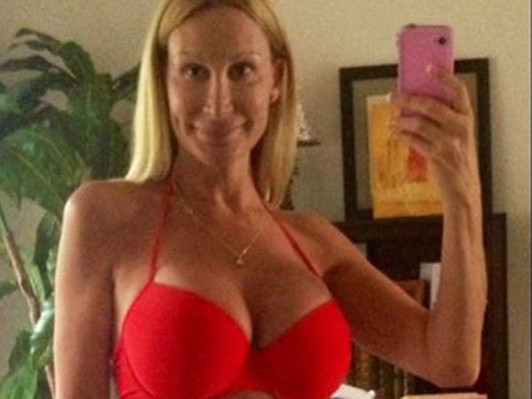 Swim great Phelps' girlfriend says they've broken up