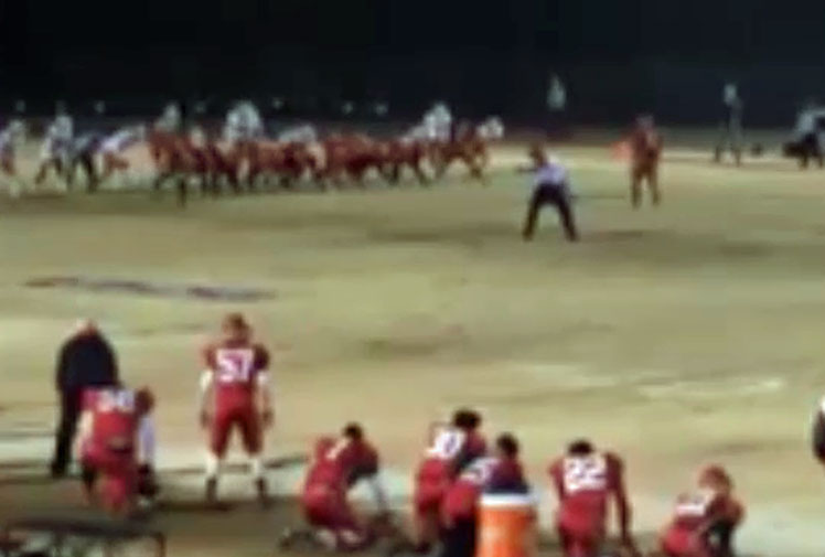 <b>A US high school gridiron team has blown their shot of a title after celebrating a win far too early.</b><br/><br/>Monacan High School was battling Lake Taylor when the Titans had a late shot at game-winning field goal.<br/><br/>But Monacan blocked the shot before wheeling off in delight, believing that was the ball game.<br/><br/>However, the ball was still live, and the Titans ran in the touchdown to secure the 19-14 win.<br/><br/>Monacan's embarrassing loss is another reminder of what happens when sport stars celebrate too early.