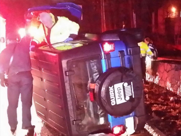 NFL star rescues woman from car crash