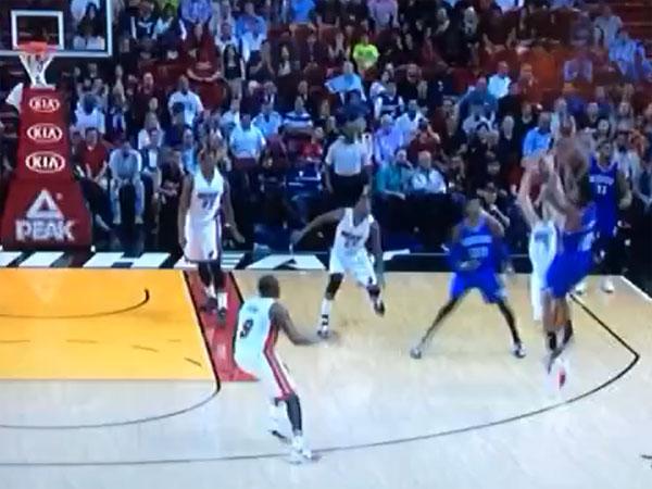 Basketballer lands hot potato buzzer beater