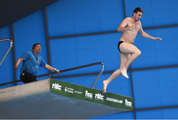 <b>A British serial prankster caused a commotion at the Diving World Series in London, storming onto the 10m platform during the men's final before plunging into the pool.</b><br/><br/>Dan Jarvis is a member of a group called Troll Station, which posts its pranks on YouTube, including football pitch invasions.<br/><br/>The 26-year-old diving incursion was met with blank looks by a panel of judges, unimpressed by his pin drop before he was met by security after climbing from the pool.<br/><br/>Click through to chek out our gallery of streaks and pitch invasions.