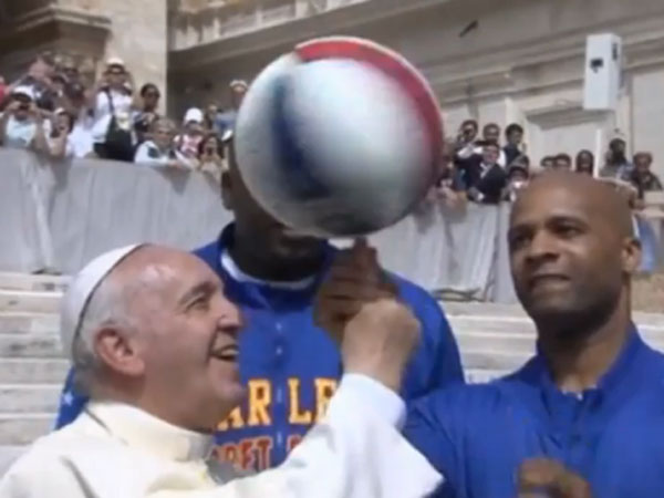 Pope becomes honourary  Globetrotter