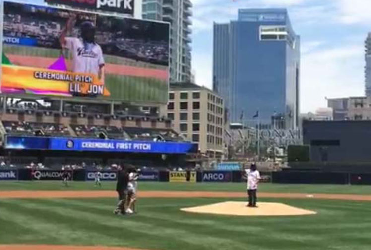 <b>Rapper Lil Jon's street cred is at an all-time low after throwing out a horribly weak ceremonial pitch at a MLB game. </b><br/><br/>The rapper, whose real name is Jonathan Smith, showed he is far more comfortable behind the mic than on the mound with a loopy effort that didn't even make it over the plate before a Padres game in San Deigo. <br/><br/>He joins a gallery of shamed celebrity pitchers and bowlers that includes Ronaldo and former PM John Howard.  <br/>