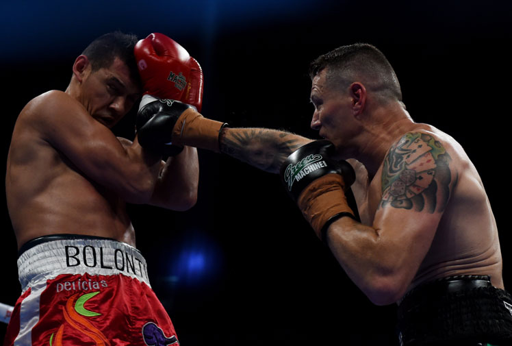 <b>Veteran fighter Danny Green has made a triumphant return to the ring with a convincing win over Argentine Roberto Bolonti in Melbourne.</b><br/><br/>In his first fight in almost three years, the 42-year-old claimed a unanimous points decision after all three judges scored the bout 100-90 in favour of the West Australian.<br/><br/>The victory took Green's career record to 34-5, with the popular veteran now setting his sights on a rematch with Anthony Mundine.