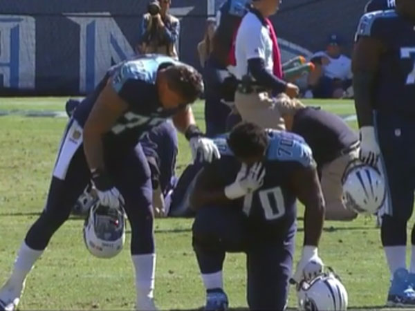 NFL player inconsolable after teammate's injury