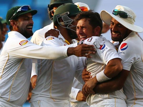 Pakistan players celebrate their win. (AFP)