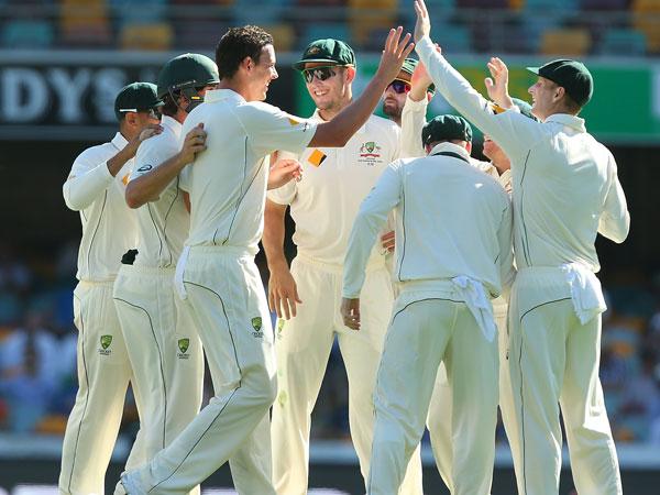 Mitchells marvellous, NZ slump to 5-157