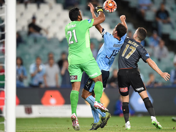 Sydney's Alex Brosque is denied by goal keeper Jamie Young of the Roar. (AAP)