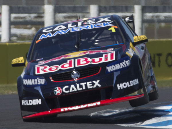 Frosty firms for V8s title