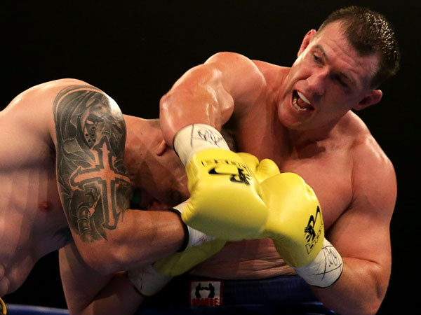 Paul Gallen throws a right at Randall Rayment during their heavyweight in January, (Getty)