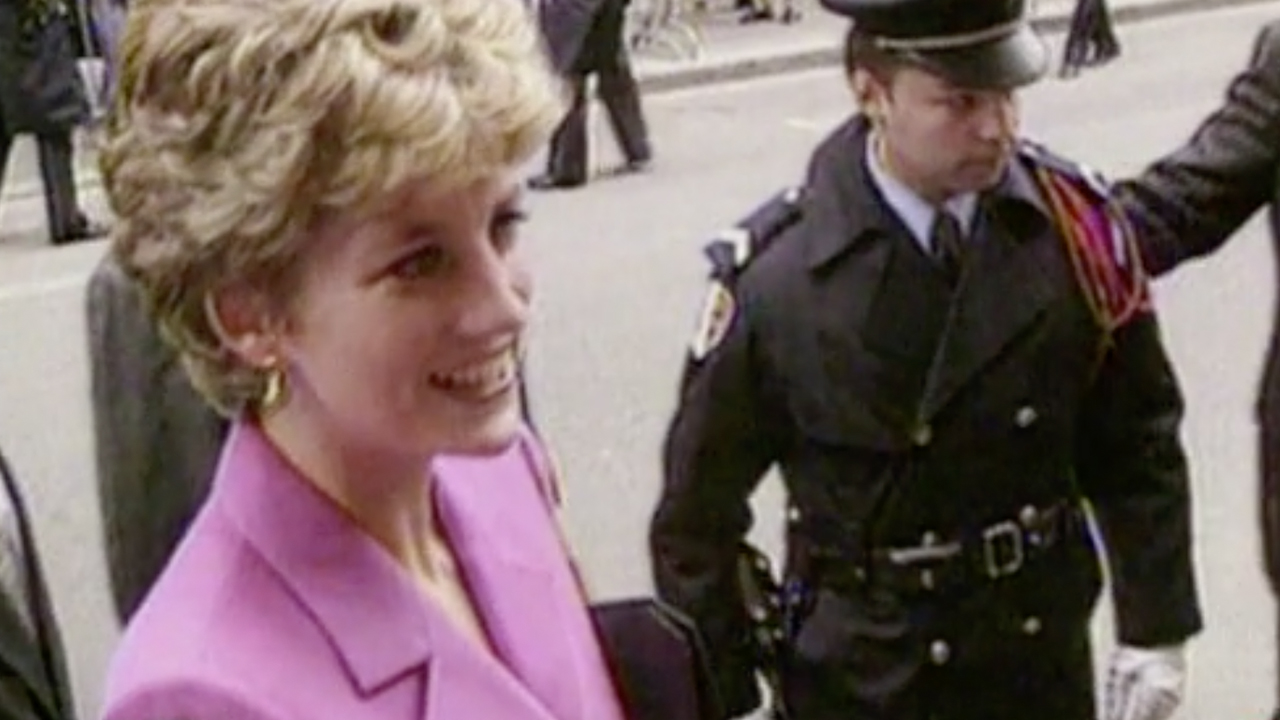 Biographer Andrew Morton has revealed the story behind Princess Diana's secret tapes.