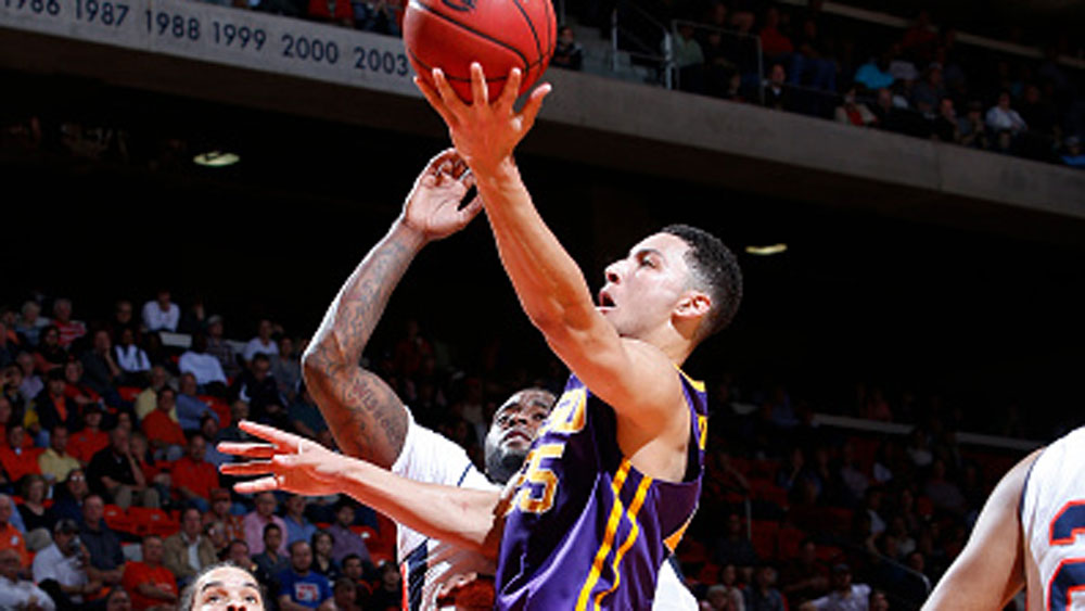 Simmons shows range in Tigers win