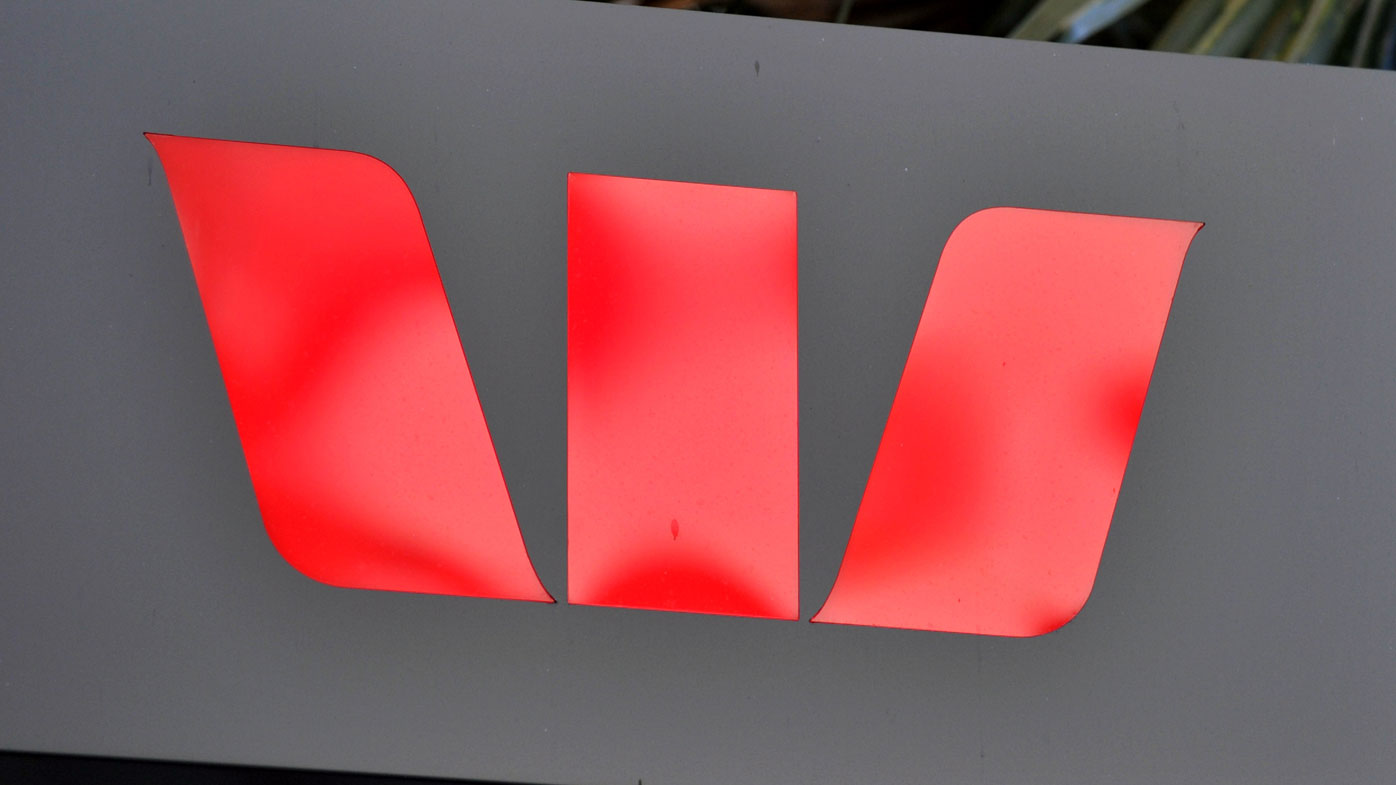 Westpac customers 'stranded' as mobile and online banking stop working