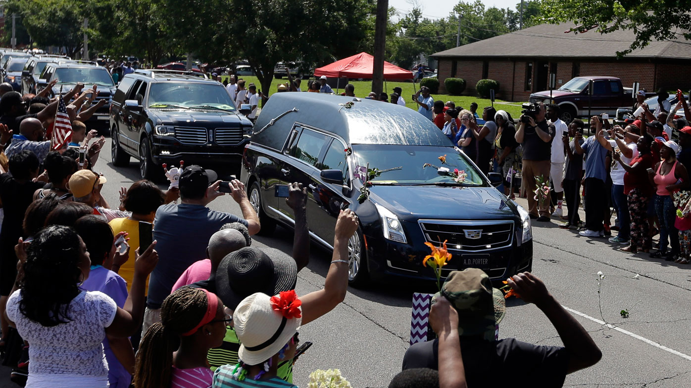 Louisville stages mass final farewell to Muhammad Ali