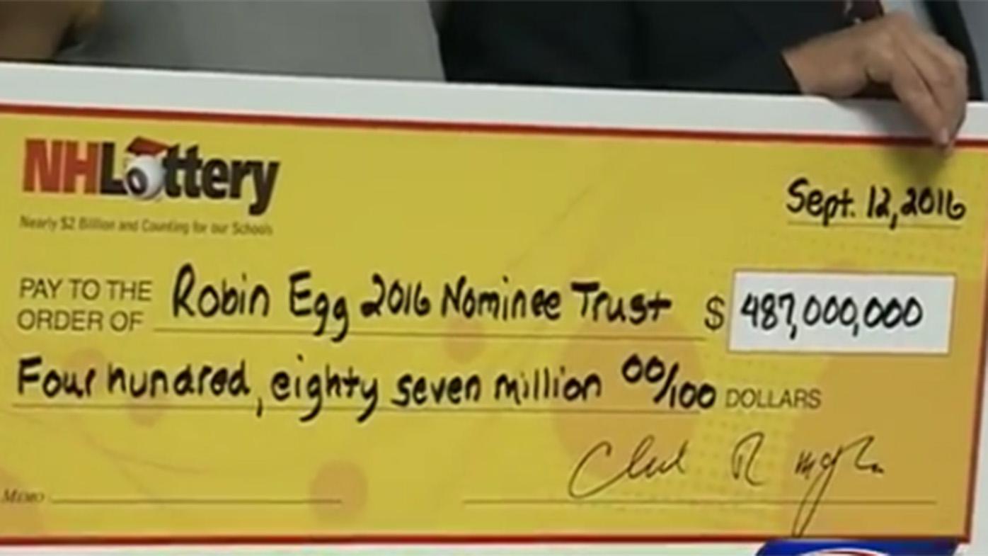 US couple wins $646m Powerball jackpot