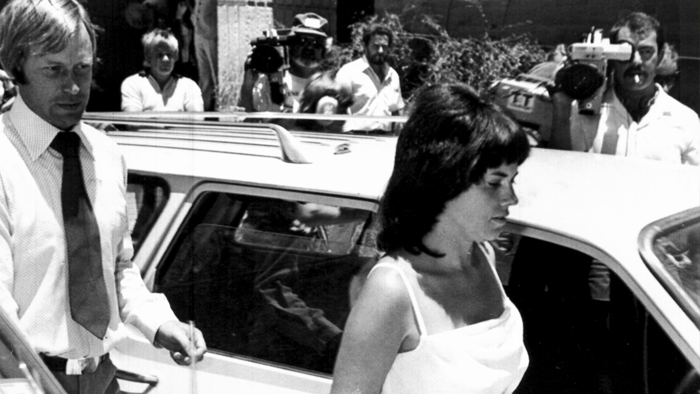 Michael and Lindy Chamberlain leave a courthouse in Alice Springs on February 2, 1982. (AAP)