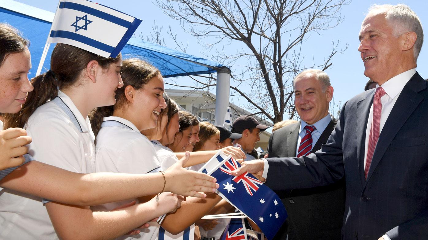 Jewish school students mob Israeli PM