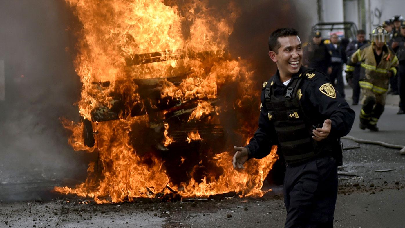 Eight killed in rare Mexico City gun battle