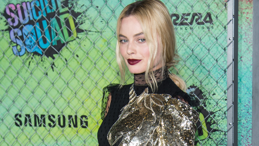 Margot Robbie makes magic on the red carpet