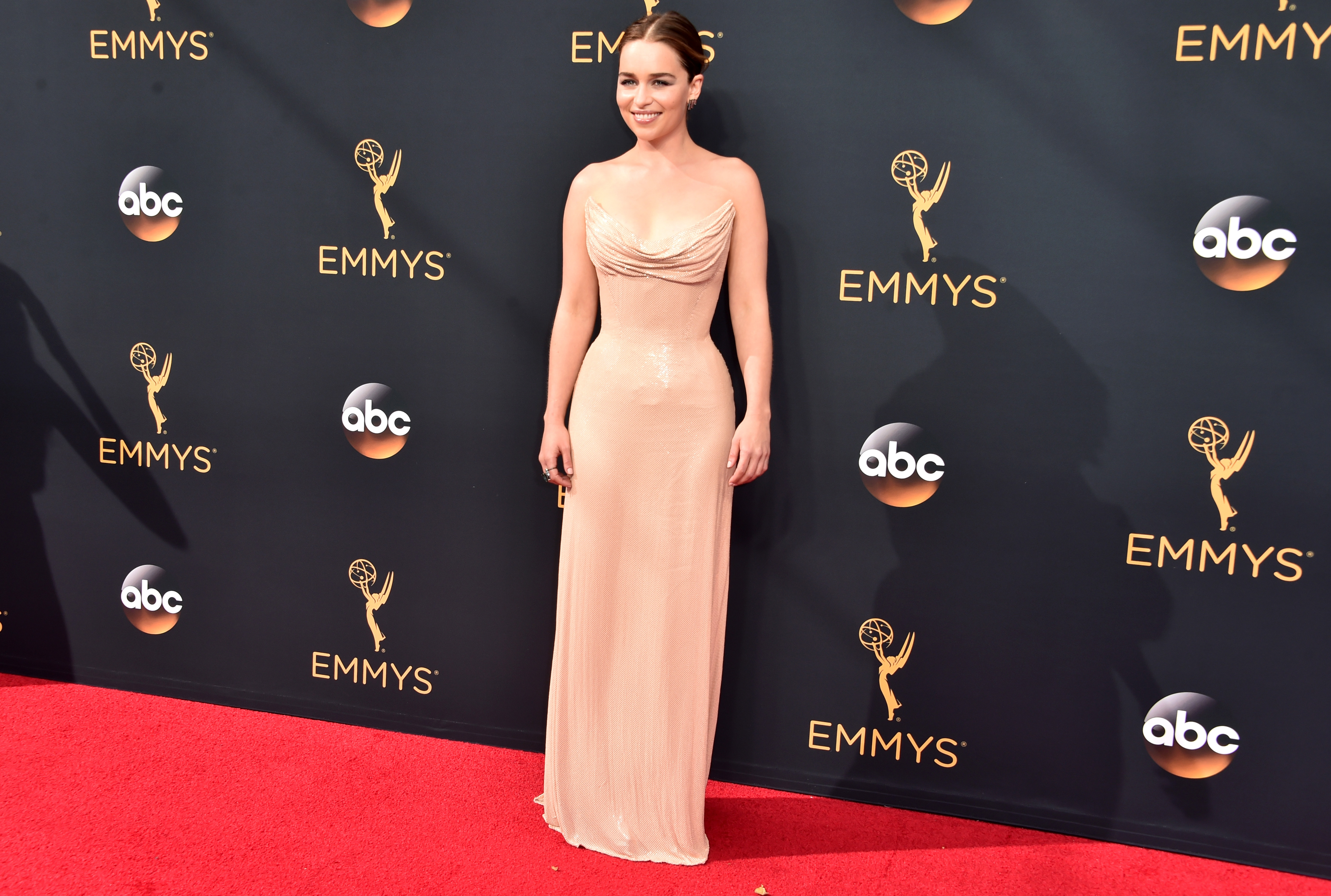 <p>The Emmy's give television stars the opportunity to deliver some Oscar-worthy red carpet action and with so many cinema stars migrating to the small screen, the fashion line shave becomes blurred.</p> <p>With this year's awards a mere sleep away we look back at the bigfashion names such as Prada, Versace and Valentino got in on the action, lifting fashion ratings to an all time high at the 2016 Emmy Awards.</p> <p>Here is our Top 10 best looks from last year.</p> <p> 10) Emilia Clarke, Atelier Versace</p>