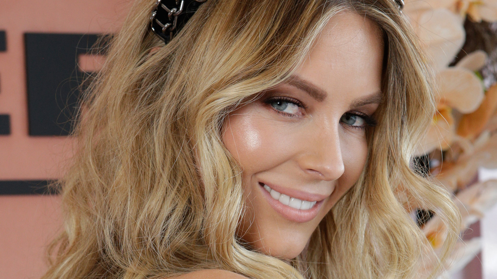 Jennifer Hawkins does racing right. So can you. Even now. Image: Getty.