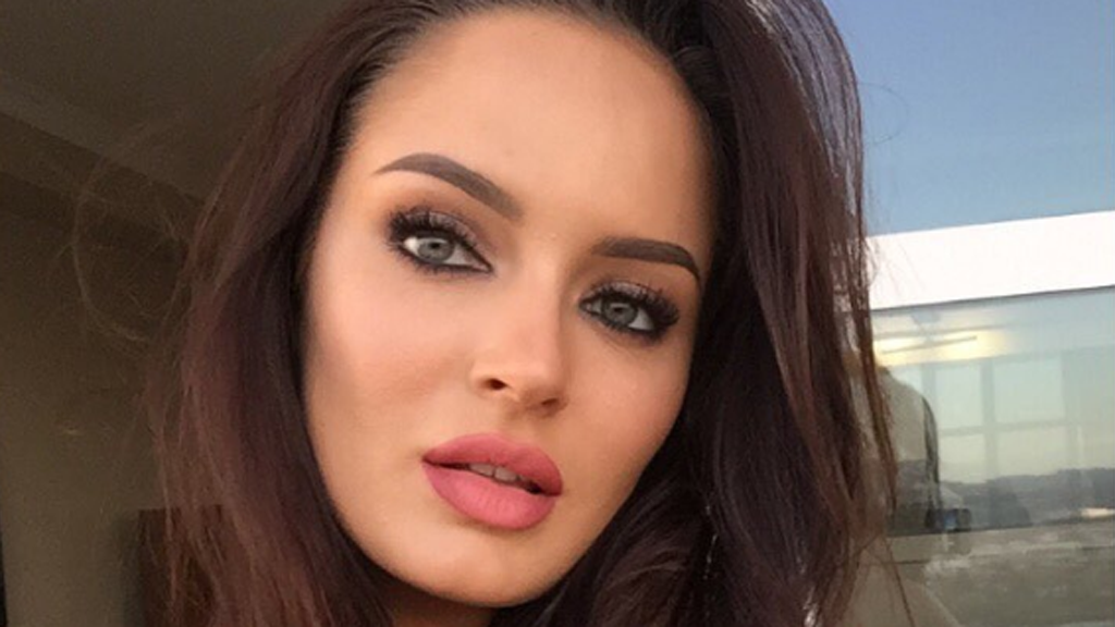 Makeup artist Chloe Morello's star is on the rise. Image: Instagram/@chloemorello
