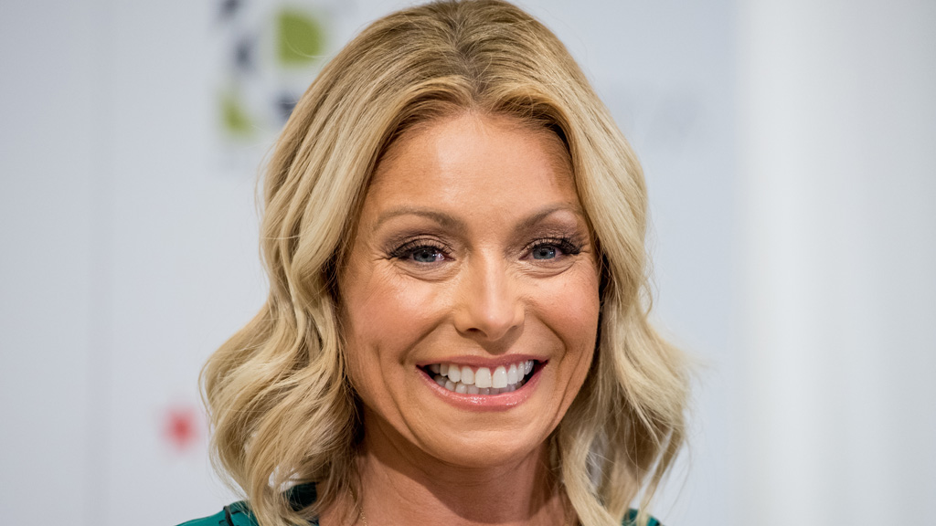 Kelly ripa facial