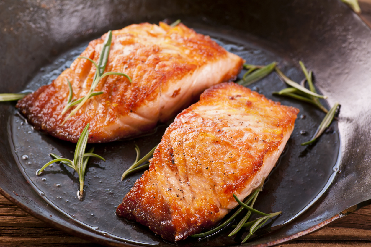 10 foods women should eat every day 9coach for Eating fish everyday