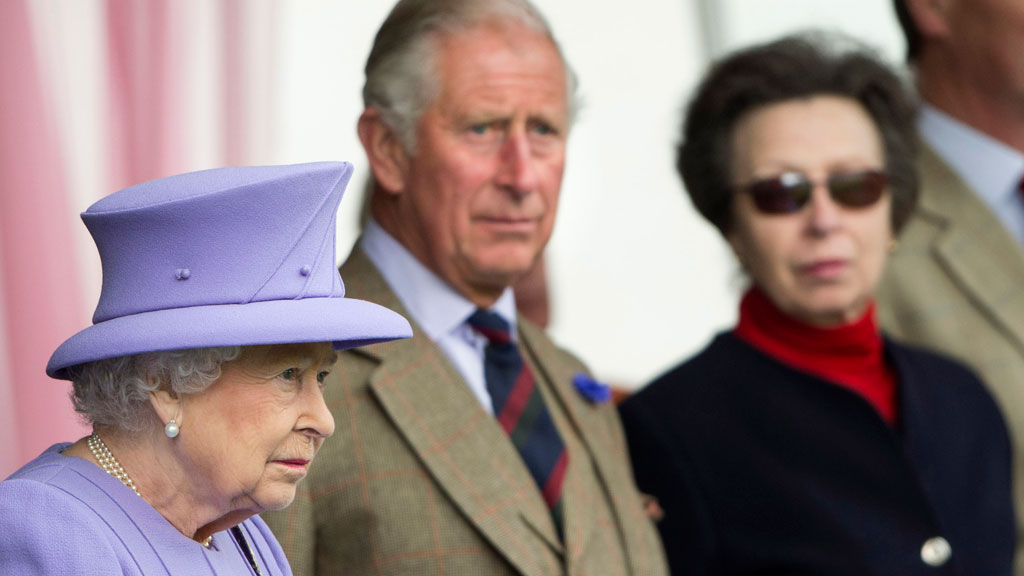 Queen Elizabeth II pronounced dead exhausted of all these 2016 death jokes