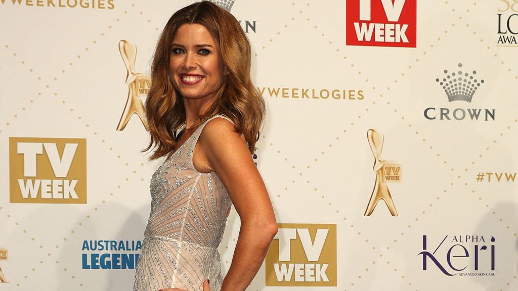 <p>Network Nine's Amber Sherlock made worldwide news recently when behind-the-scenes footage of her beseeching a colleague to change her outfit was leaked.</p> <p>The clip, which went viral, saw the weather and news presenter repeatedly telling fellow presenter Julie Snook to put a coloured jacket over her white dress and immediately. The reason - Amber and guest psychologist Sandy Rea, were also wearing white.</p> <p>Now three women wearing similar-ish outfits is no big deal in the wider world perhaps, but in the highly-visual medium of TV, it's nothing less than a crisis - (we get it Amber - truly).</p> <p>Of course, if you work in TV you already know that. But even if you don't, there may be times you need to speedily alter your outfit in order to fit in better with the rest of your co-workers. Here, we look at some super chic new pieces that will help you fit in - while also standing out.</p> <p>Image: Getty</p> <p></p>