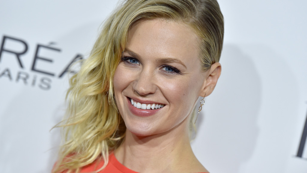 """<p><a href=""""http://www.imdb.com/name/nm0005064/"""" target=""""_blank"""" draggable=""""false"""">Actress January Jones</a> has stunned fans with a dramatic new look that has left her virtually unrecognisable.</p> <p>The 39-year-old star of <a href=""""http://www.imdb.com/title/tt0804503/"""" target=""""_blank"""" draggable=""""false"""">TV series Mad Men</a> has worn her blonde hair long and with a side part for eons (see image here), but this week she debuted a drastically-different look.</p> <p>Her fans appeared stunned by the makeover but not us. We've long known that January is not only a talent, but she's downright inspirational when it comes to all things hair.</p> <p> Beach-style waves, classic curls, schoolgirl braids and rock chick quiffs ... January can do it all.<br /> Click through for a sneak peek at her new look plus a swag of others styles she's worn during the past decade.</p>"""