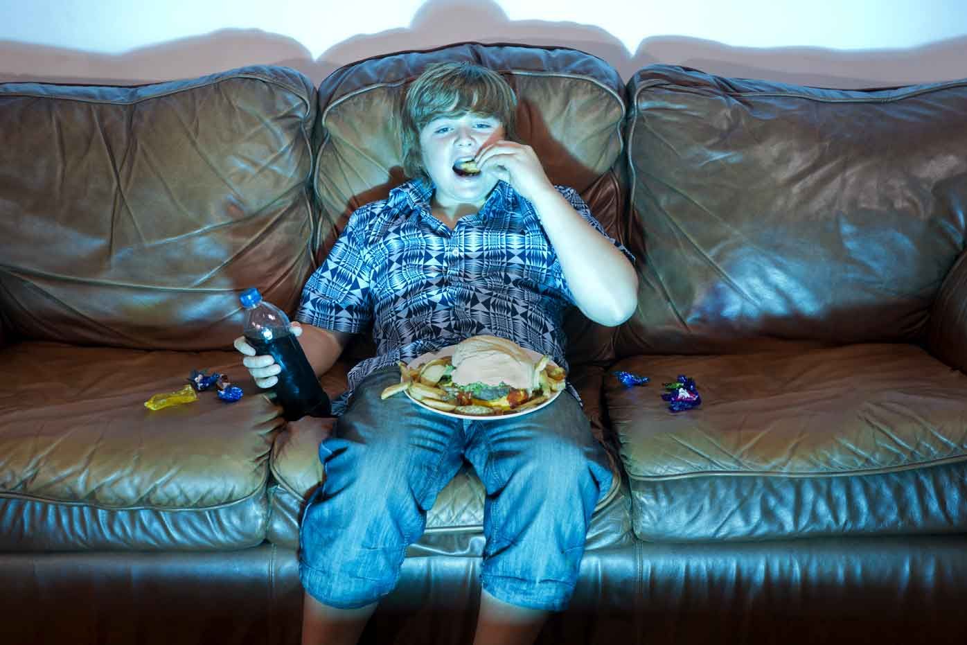 Eating meals while watching TV
