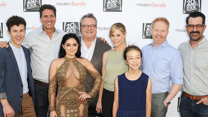Modern Family cast red carpet.