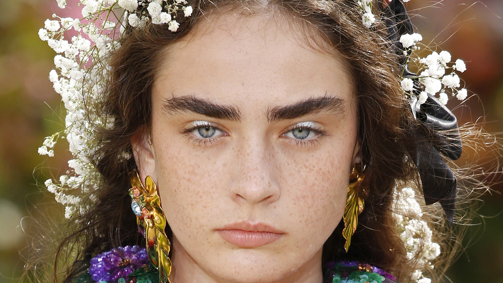 Flower crowns steal the show at Paris Fashion Week