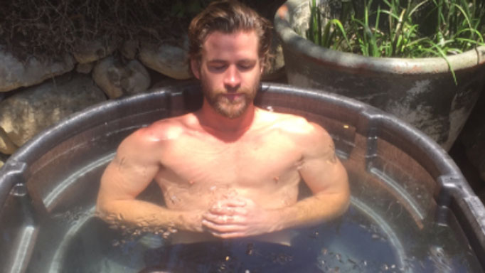 Liam Hemsworth Bares His Bod in a Skimpy Speedo