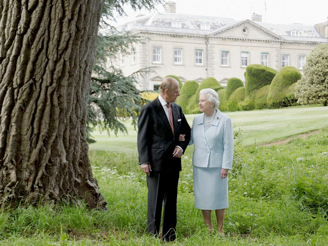 Prince Philip retires from official duty