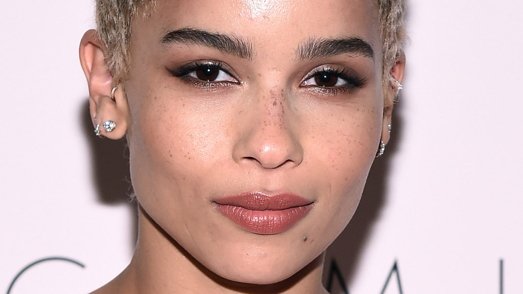 Zoe Kravitz's hair shake up