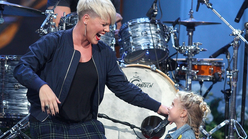 Pink Fights Gender Stereotypes, Gives Emotional Speech To Daughter At VMAs