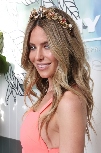 "<p>Myer ambassador Jennifer Hawkins was her usual polished perfection in Yeojin Bae at the Myer Spring Carnival launch but expect something different by the time Derby Day comes around. </p> <p>""I'm really enjoying more relaxed silhouettes and the layered approach to dressing that is coming through this season,"" Hawkins said.</p> <p>""To be honest I haven't decided what I'm wearing yet, but that's what's floating in my head.""</p> <p>On top of Hawkins' head it's equally hard to get the former Miss Universe to make a commitment. </p> <p>""First of all headbands are not out, they're not going anywhere,"" she says. ""Headbands are just too convenient.""</p> <p>""I would like to try something wide-brimmed with a bit of drama when I'm at the races,"" says Hawkins.</p> <p>Her fellow Myer ambassador Kris Smith is more decisive when it comes to trends for men.</p> <p>""The more formal, the better,"" Smith says. ""I'm pretty British and pretty traditional when it comes to suits. I like a three-piece suit."" </p>"